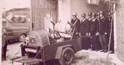 Feuerwehrspritze_im_Jahr_1961
